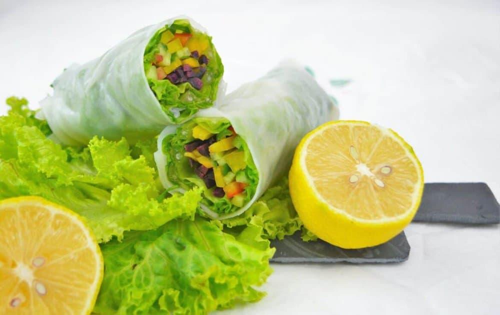 Vietnamesische Sommerrollen mit Erdnusssauce
