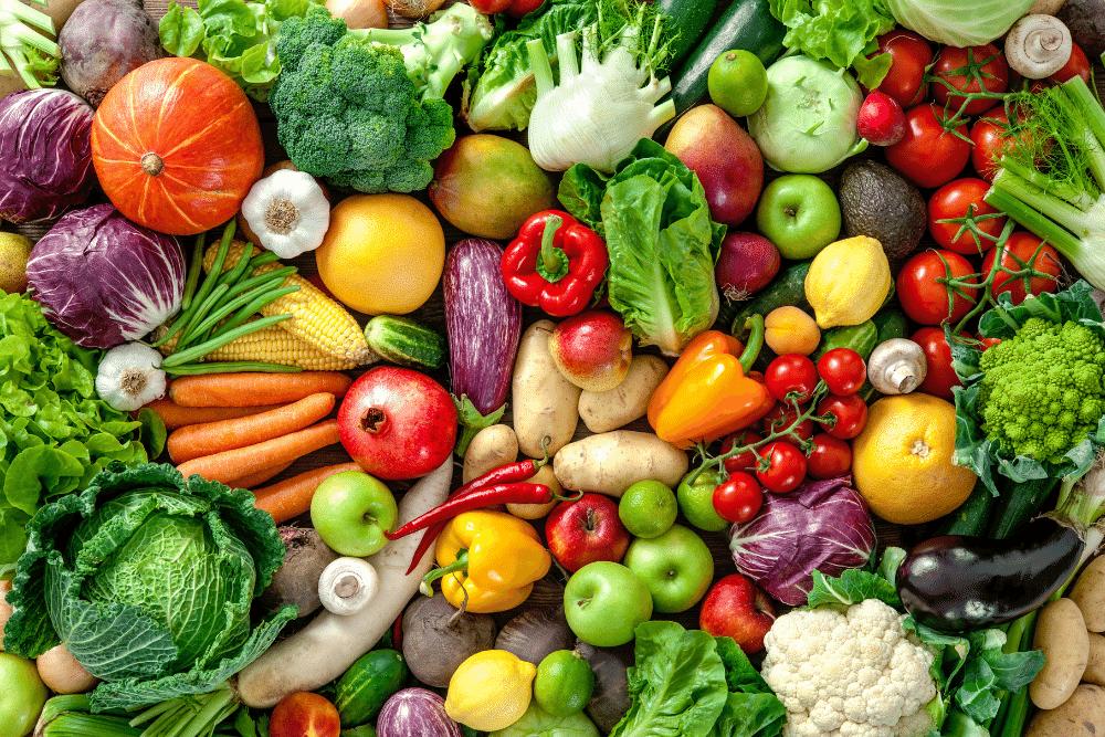 Buntes Gemüse auf einem Tisch
