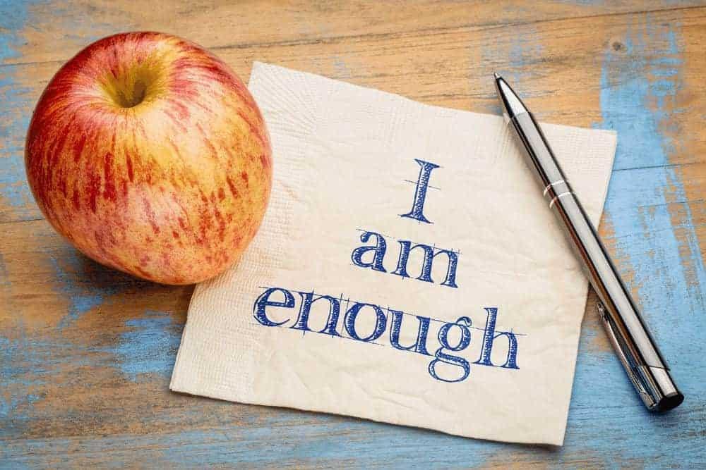 Positive Affirmationen Apfel mit Stift und Serviette mit Aufschrift